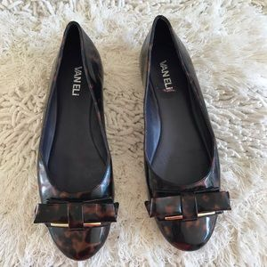 Vaneli Shoes - SALE Vaneli Tortoris Shell  Flats 7.5N